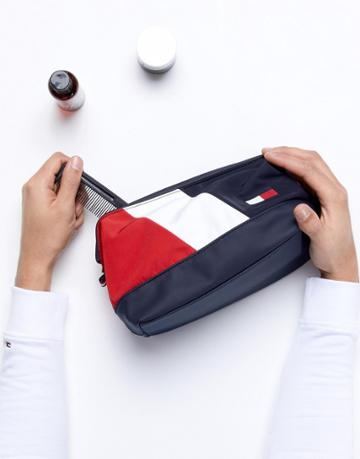 Tommy Hilfiger Speed Toiletry Bag Icon Colors In Navy/white/red - Multi