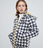 Ellesse Padded Jacket With Contrast Lining In Houndstooth - White