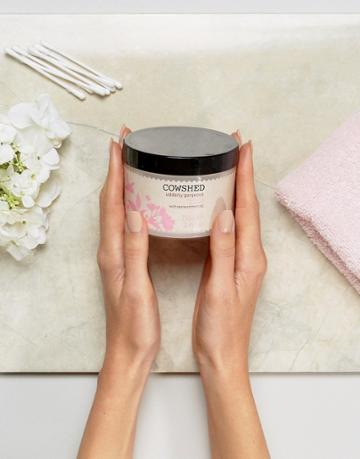 Cowshed Maternity Udderly Gorgeous Bath Salts - Clear