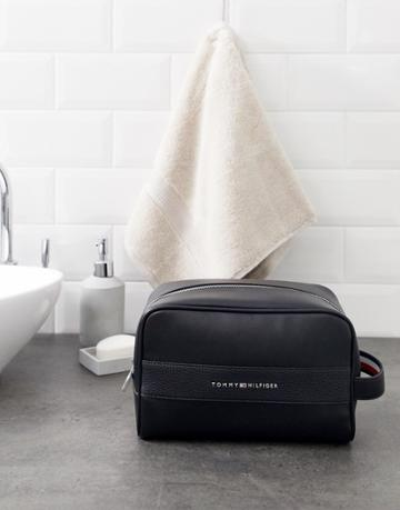 Tommy Hilfiger Faux Leather Toiletry Bag With Pebbled Strip In Black - Black