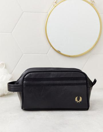 Fred Perry Twin Tipped Logo Toiletry Bag In Black