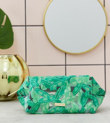 Skinnydip Green Fronds Leaf Print Makeup Bag - Green
