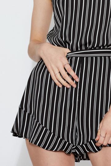 The Fifth The Fifth Ophelia Stripe Short Black W Ivoryxxs, Xs,s,m,l