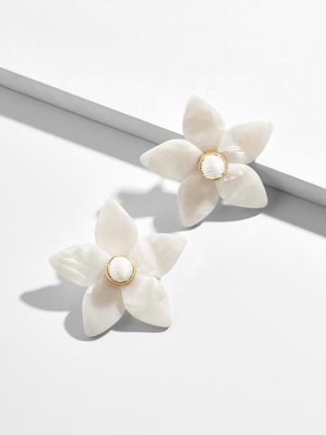 BaubleBar Mini Amariella Flower Stud Resin Earrings-Ivory