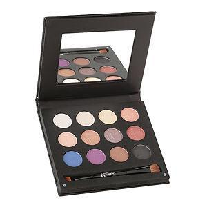 "It Cosmetics ""try To Look Away"" Irresistible Eyes Palette"