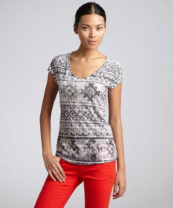 Romeo & Juliet Couture grey aztec printed knit v-neck top