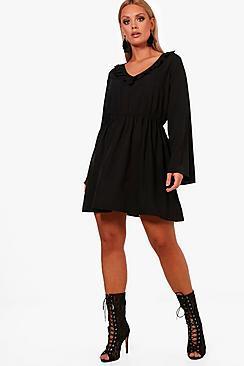 Boohoo Plus Lissie Ruffle Front Flare Sleeve Skater Dress