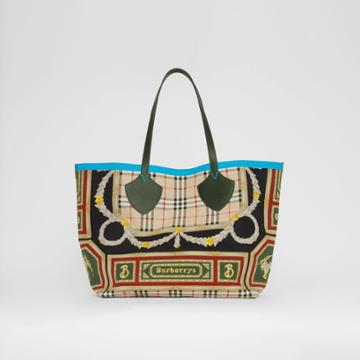 Burberry Burberry The Giant Reversible Tote In Archive Scarf Print Cotton, Green