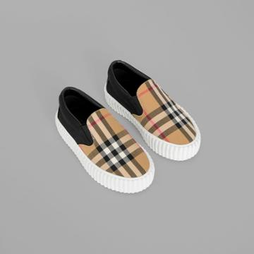 Burberry Burberry Childrens Vintage Check Detail Slip-on Sneakers, Size: 35, Black
