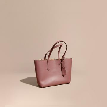 Burberry Burberry The Small Reversible Tote In Haymarket Check And Leather, Purple