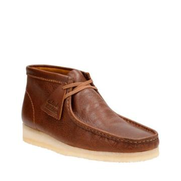 Clarks Wallabee Boot In Tan Tumbled Leather
