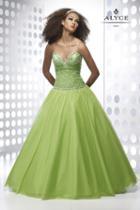 Alyce Paris - 9064 Dress In Apple Green