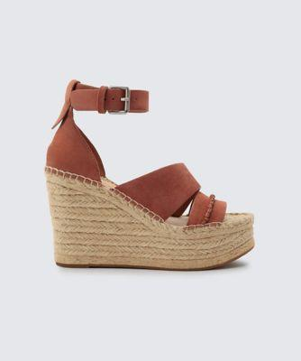 Dolce Vita Simi Wedges Clay
