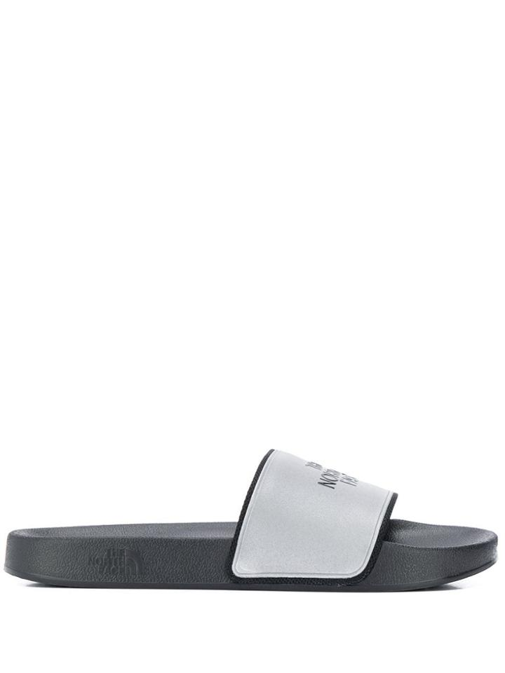 The North Face Embossed Logo Pool Slides - Black