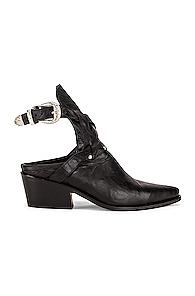 Zeynep Arcay Leather Cowboy Sobo Ankle Boots In Black