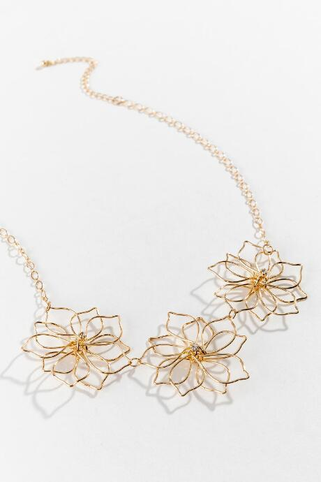 Francesca's Penny Metal Flower Statement Necklace - Gold