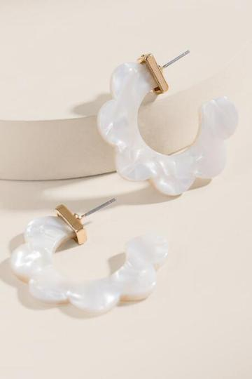 Francesca's Lauryn Scalloped Hoop Earrings - Ivory