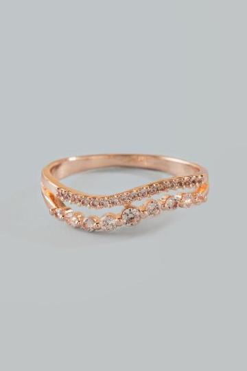 Francesca's Fiona Cubic Zirconia Wave Ring - Rose/gold