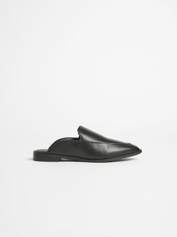 Frank + Oak Pointy Mule In True Black