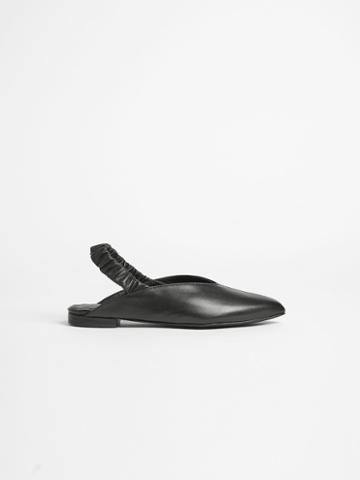Frank + Oak Pointy Slingback Flat In True Black