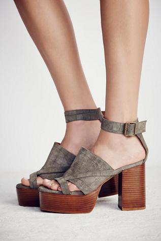 Jeffrey Campbell + Free People Womens Axel Platform