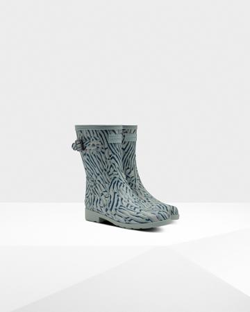 Women's Refined Slim Fit Coral Print Short Rain Boots