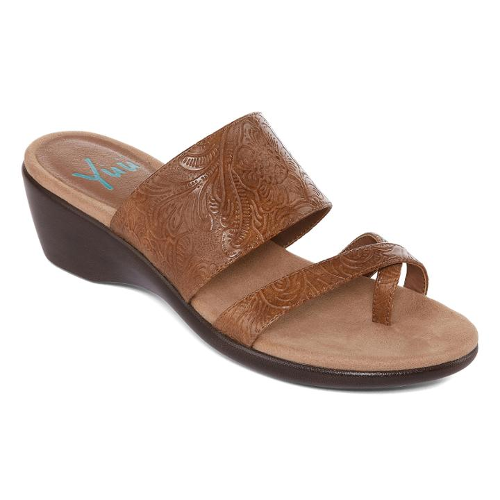 e14ab6eaef661 Yuu Portney Womens Sandal