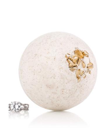 Oatmeal And Honey Bath Bomb W/ Luxury Ring