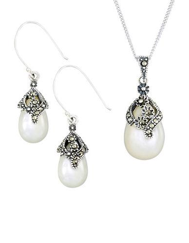 Lord & Taylor Pear Teardrop Earrings And Pendant Necklace Set