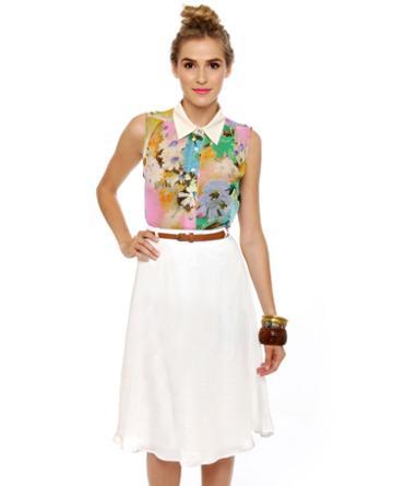 Travel Blogger Belted White Skirt