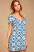 Lulus Mood Mosaic Blue And White Print Shift Dress