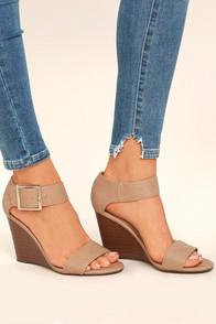 Breckelle's Neysa Natural Ankle Strap Wedges