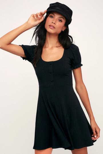 Hopscotch Black Ribbed Short Sleeve Skater Dress | Lulus