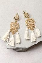 Lulus Island Dreams Gold And Ivory Tassel Earrings