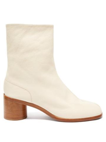 Matchesfashion.com Maison Margiela - Tabi Split-toe Leather Ankle Boots - Mens - White