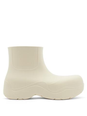 Matchesfashion.com Bottega Veneta - The Puddle Biodegradable-rubber Ankle Boots - Mens - Beige