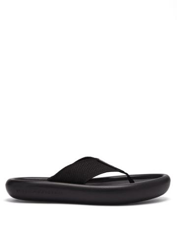 Matchesfashion.com Stella Mccartney - Logo-debossed Rubber Flatform Flip Flops - Womens - Black
