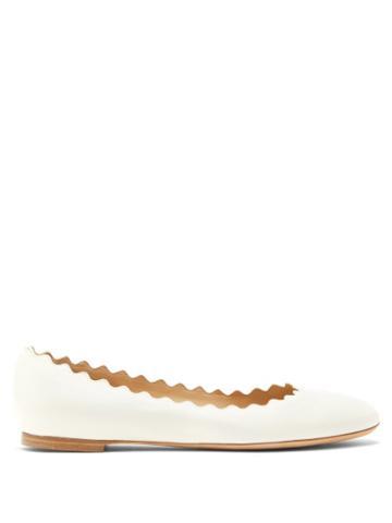 Matchesfashion.com Chlo - Lauren Scallop-edge Leather Ballerina Flats - Womens - White