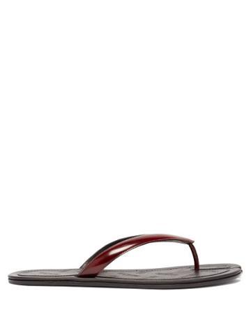 Matchesfashion.com Maison Margiela - Tabi Split-toe Leather Flip Flops - Mens - Burgundy