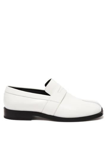 Matchesfashion.com Maison Margiela - Tabi Split-toe Leather Loafers - Womens - White