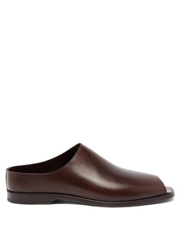 Matchesfashion.com Lemaire - Open-toe Leather Loafers - Mens - Dark Brown