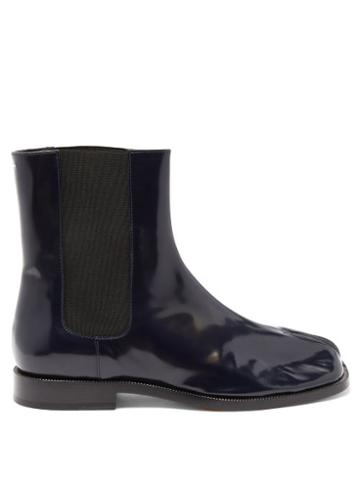 Matchesfashion.com Maison Margiela - Tabi Split-toe Leather Chelsea Boots - Womens - Navy