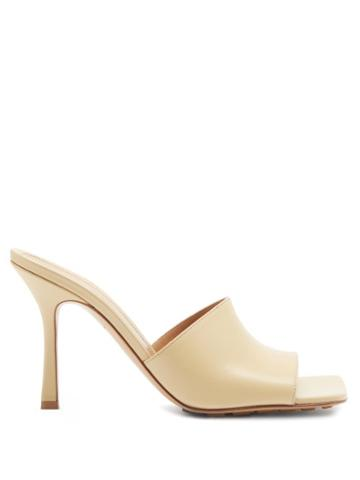 Matchesfashion.com Bottega Veneta - Stretch Square-toe Leather Mules - Womens - Beige