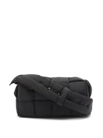 Matchesfashion.com Bottega Veneta - Cassette Padded Intrecciato Messenger Bag - Mens - Black