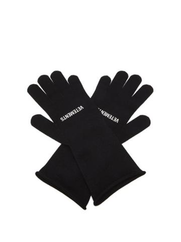 Matchesfashion.com Vetements - Logo-print Rolled-cuff Gloves - Mens - Black