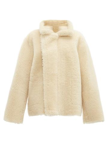 Matchesfashion.com Bottega Veneta - Reversible Shearling And Suede Jacket - Womens - Cream