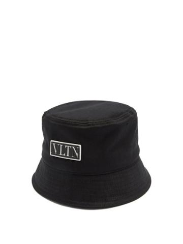 Matchesfashion.com Valentino Garavani - Vltn Logo Plaque Canvas Bucket Hat - Mens - Black