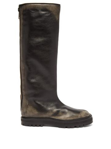Matchesfashion.com Maison Margiela - Tabi Split Toe Knee High Distressed Leather Boots - Womens - Black