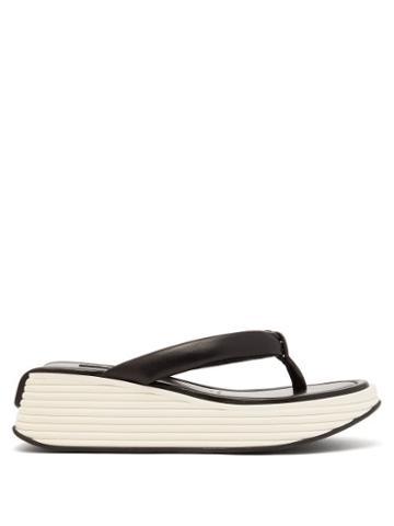 Matchesfashion.com Givenchy - Platform-sole Leather Flip-flops - Womens - Black White