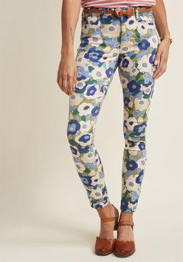 Modcloth Exuberant Intrigue Pants In Muted Bouquet In 2x